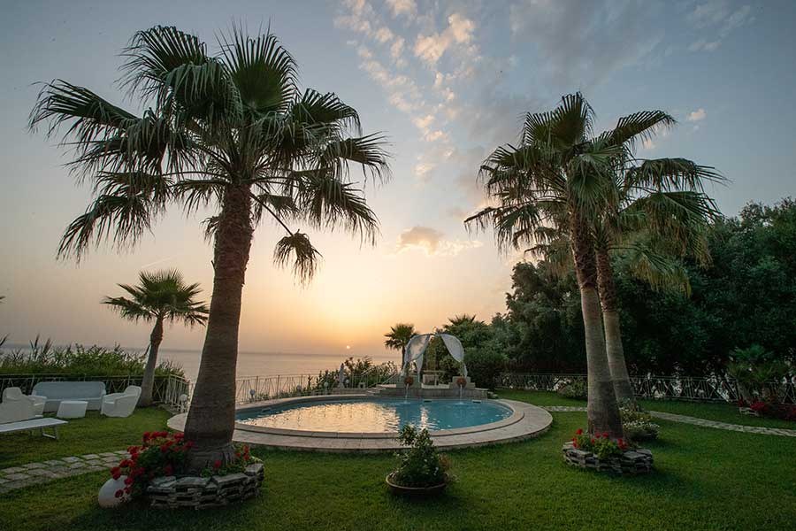 Sala Ricevimenti piscina caposperone resort